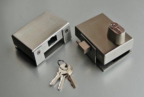 Допълнителна брава с обикновен патрон