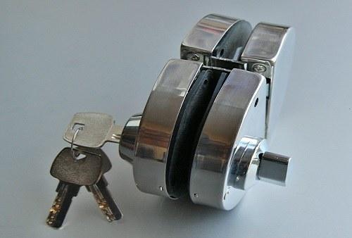 Допълнителна брава със заключване отвътре