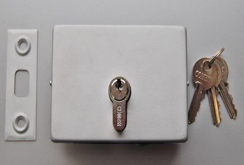 Подова брава с патрон и насрещна планка