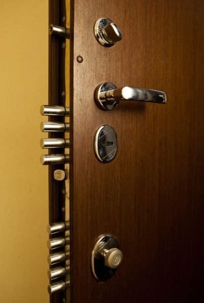 Бронирани врати