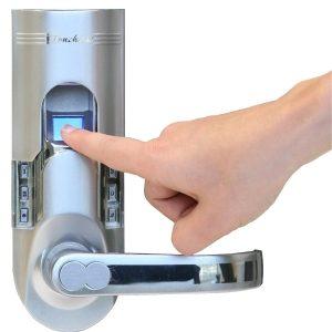 брава с пръстов отпечатък