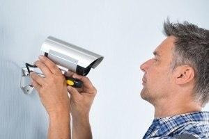 монтиране на охранителна камера
